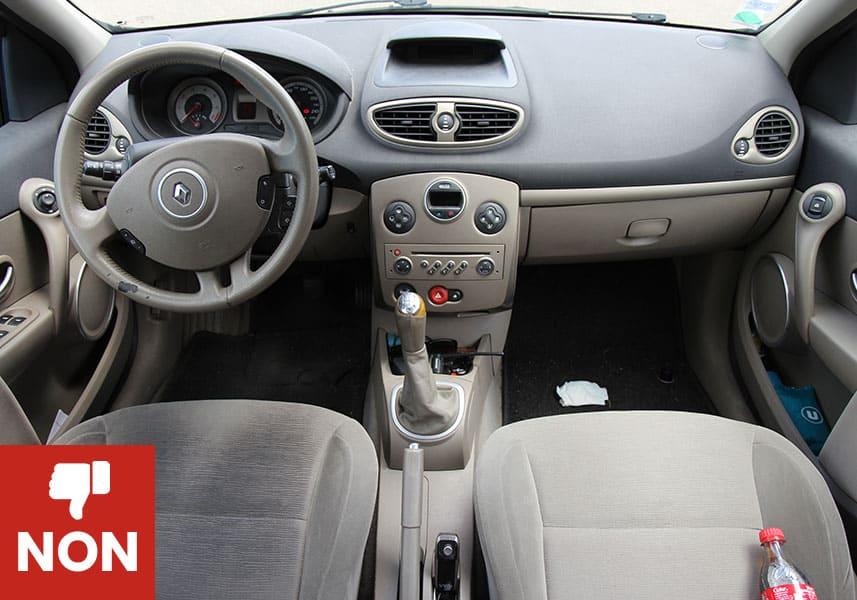 Exemple de photo intérieur véhicule ko